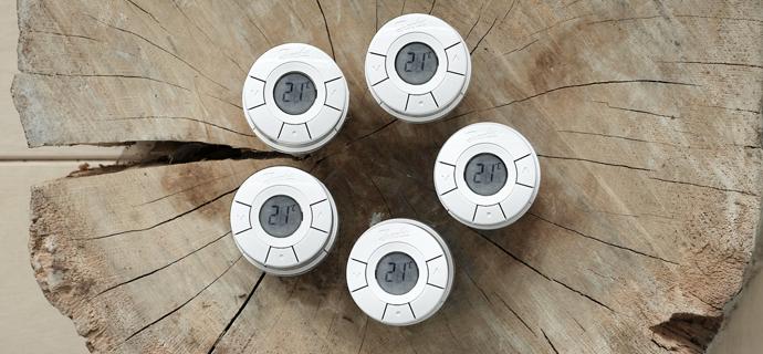 Установить терморегулятор для радиатора Danfoss Living Connect