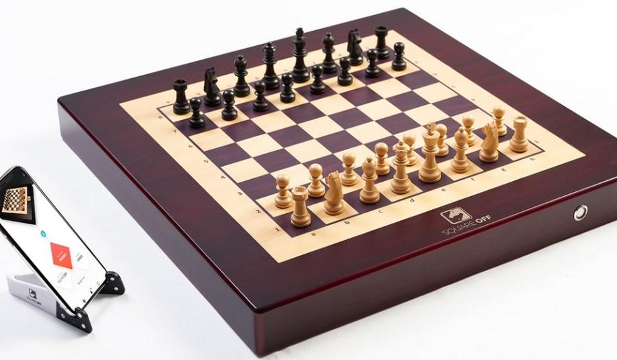 Классическая шахматная доска с «умной» начинкой