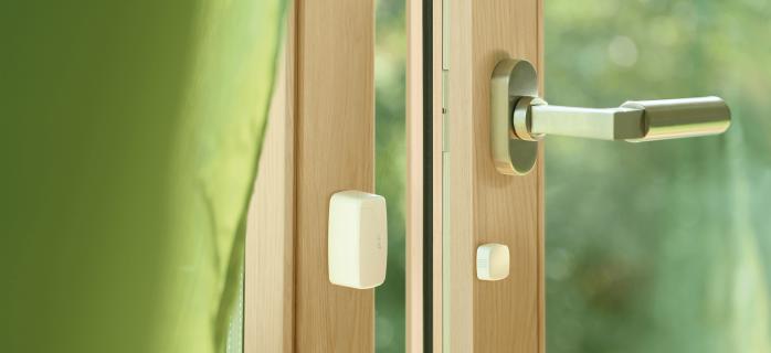 Использование датчиков открытия дверей в домашних условиях