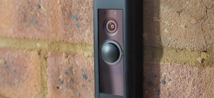 Amazon представила новую версию умного дверного звонка
